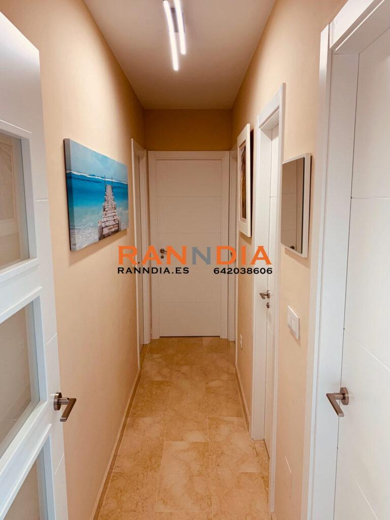 Puertas en Nerja e interior